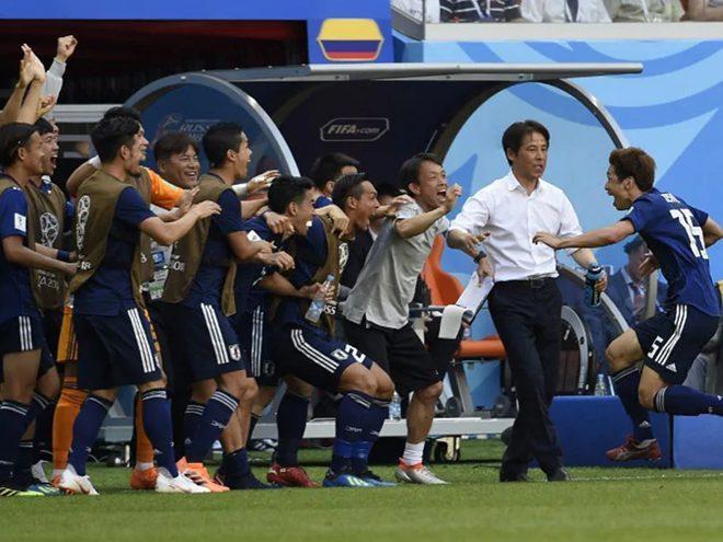 HLVNishino từng khiến cả thế giới chê vì dẫn dắt tuyển Nhật Bản đá cù nhầy ở World Cup 2018.