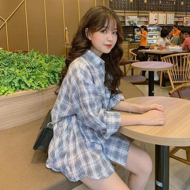 Sau nghi vấn chia tay Nhật Lê, Quang Hải đang hẹn hò với hotgirl 1m52 từng gây sốt mạng xã hội? ảnh 0