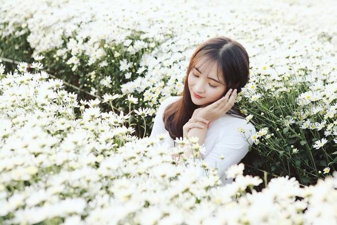 """""""Mỗi cô gái đến từ vùng đất khác nhau đều có những vẻ đẹp riêng. Và ngoại hình của con gái Sơn La được vẽ nên từ vẻ đẹp của núi rừng"""", cô nói."""