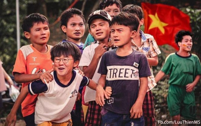 HLV Park Hang hóa thành bạn bè đồng trang lứa với các cầu thủ Việt Nam. (Ảnh của LuuThienMS)