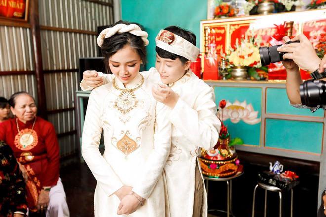 Hotgirl Tú Tri tiết lộ từng từ chối đề nghị bao nuôi của đại gia để kết hôn với đạo diễn chuyển giới YunBin khi mới 20 tuổi ảnh 1