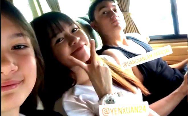 """Đến tháng 9/2018, trong dịpsinh nhật lần thứ 27 của Văn Lâm, Văn Lâm và Yến Xuân chính thức lộ ảnh chụp rõ mặt cùng nhau khi cả hai ngồi cùng nhau trên xe ô tô. Đây là lần đầu tiên cặp đôi này cùng nhau """"lộ mặt"""" trên mạng xã hội."""
