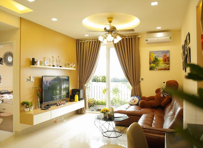 Căn nhà thứ 2 được Hoàng Yến mua vào cuối năm 2017. Tuy không quá xa hoa, lộng lẫy như phần lớn biệt thự triệu đô của sao Việt, nhưng căn hộ này vẫn tạo cảm giác thoải mái nhờ không gian rộng rãi, thoáng mát.