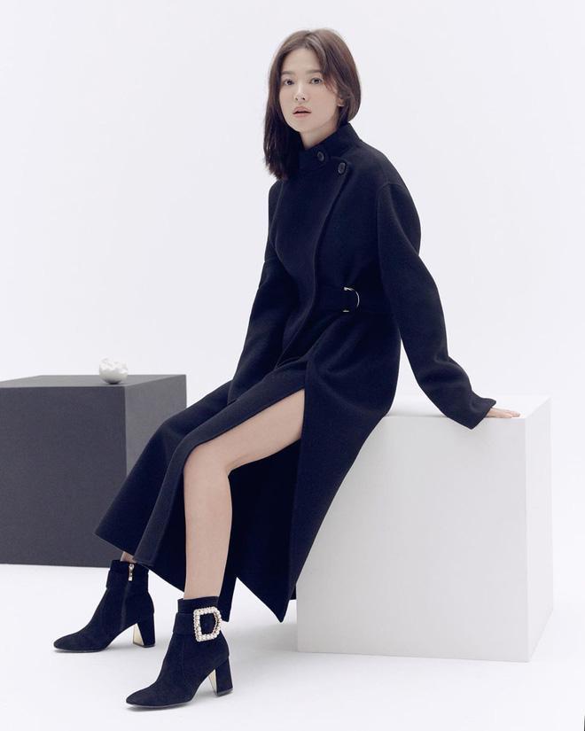 Loạt hình ảnh thời trang Thu/Đông của Song Hye Kyo thu hút sự chú ý của fans khi cô updat trên trang instagram tối qua