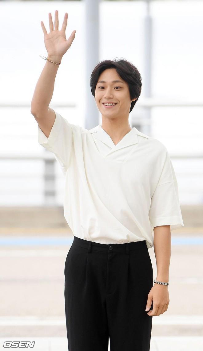 Kim Ha Neul đóng cặp với trai trẻ Lee Do Hyun  Honey Lee  Kim Woo Bin đóng chung với Ryu Jun Yeol và Kim Tae Ri ảnh 2