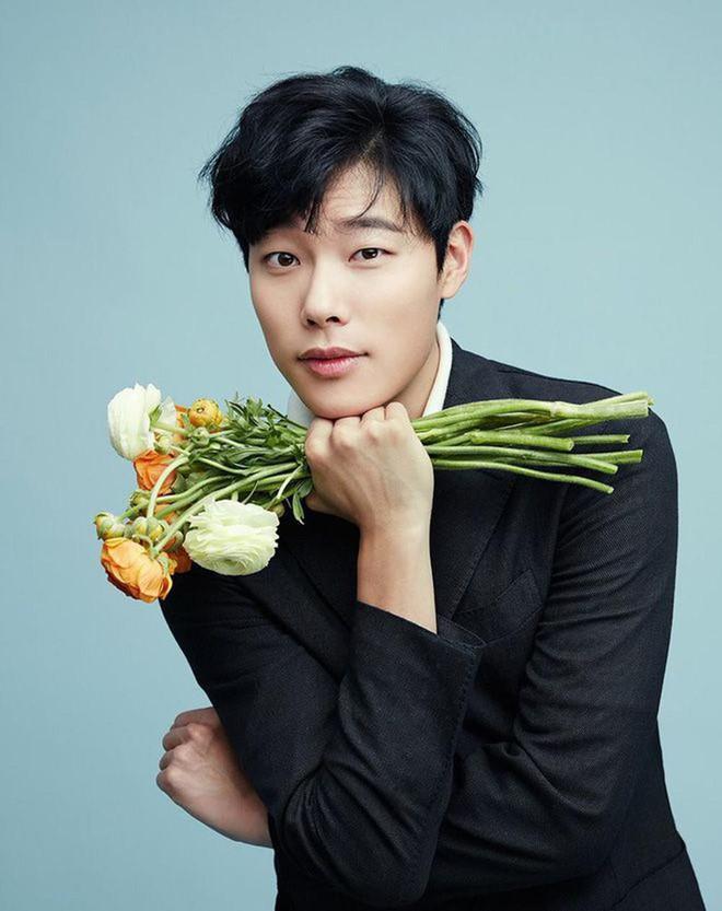Kim Ha Neul đóng cặp với trai trẻ Lee Do Hyun  Honey Lee  Kim Woo Bin đóng chung với Ryu Jun Yeol và Kim Tae Ri ảnh 8