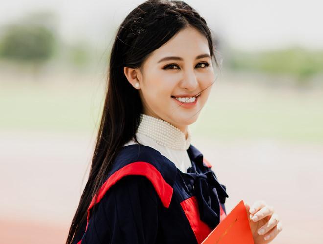 Không chỉ xuất sắc trong việc học tập, nhờ nhan sắc của mình, Bảo Ngọc còn mạnh dạn thử sức với các cuộc thi hoa hậu. Năm 2016, nữ sinh 9X Học viên Cảnh sát thi Hoa hậu Việt Nam. Năm 2017 cô lọt vào top 15 với danh hiệu Người đẹp Dạ hội của cuộc thi Hoa hậu Biển Việt Nam toàn cầu.