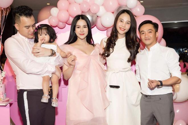 Diệp Lâm Anh diện bikini khoe body nóng bỏng sau khi sinh con thứ 2 ảnh 5