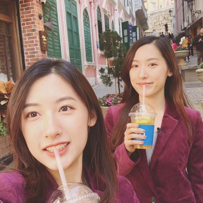 Cặp chị em sinh đôi xinh đẹp, giỏi giang nổi tiếng một thời khi cùng tốt nghiệp Đại học Harvard giờ ra sao? ảnh 21