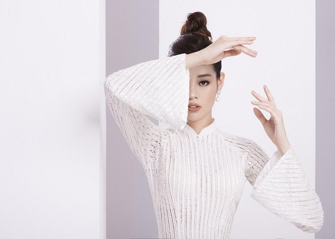 Khánh Vân tung ảnh áo dài trước khi thi Miss Universe, xứng danh hoa hậu mặc áo dài đẹp nhất! ảnh 6
