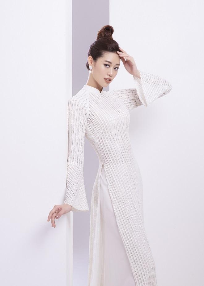 Khánh Vân tung ảnh áo dài trước khi thi Miss Universe, xứng danh hoa hậu mặc áo dài đẹp nhất! ảnh 8