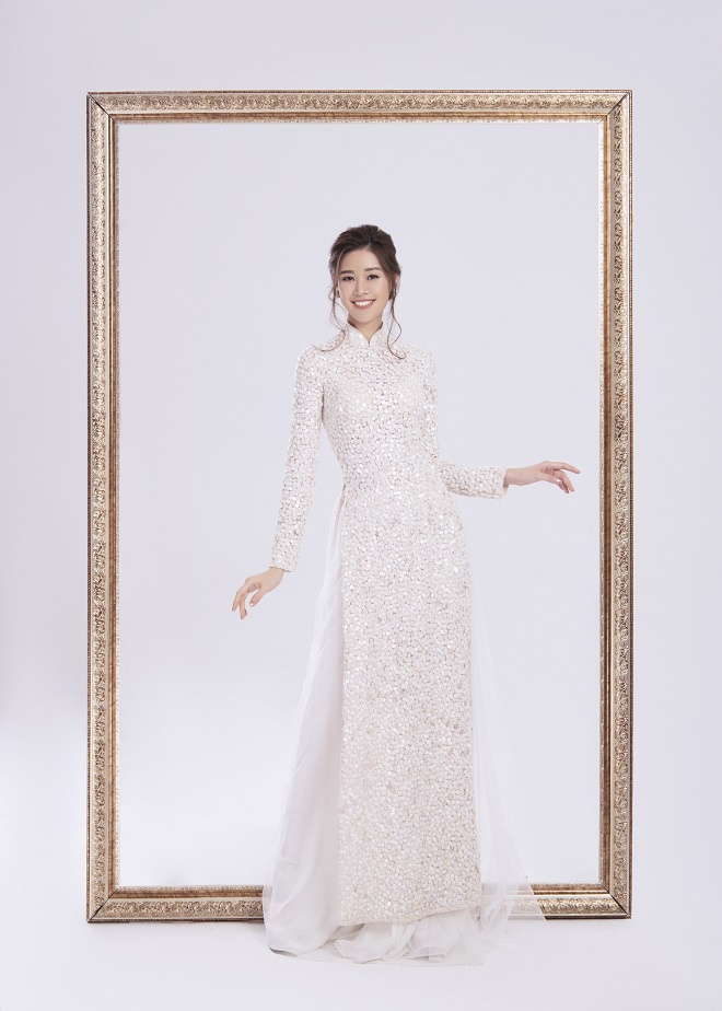 Khánh Vân tung ảnh áo dài trước khi thi Miss Universe, xứng danh hoa hậu mặc áo dài đẹp nhất! ảnh 1
