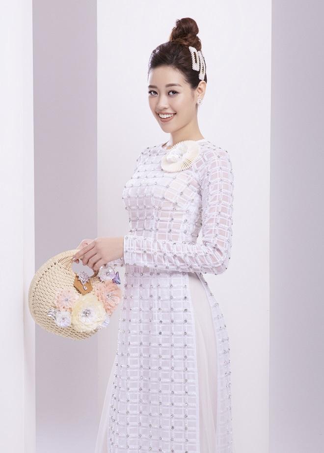 Khánh Vân tung ảnh áo dài trước khi thi Miss Universe, xứng danh hoa hậu mặc áo dài đẹp nhất! ảnh 9