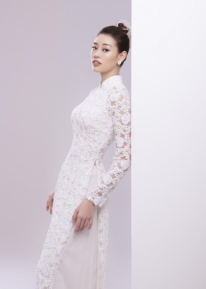 Khánh Vân tung ảnh áo dài trước khi thi Miss Universe, xứng danh hoa hậu mặc áo dài đẹp nhất! ảnh 10
