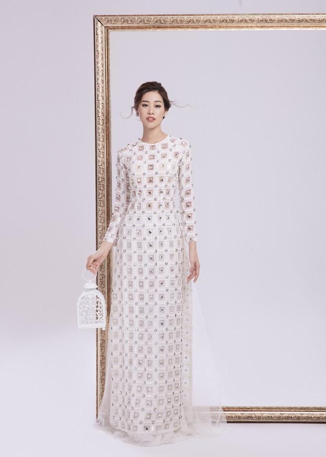 Khánh Vân tung ảnh áo dài trước khi thi Miss Universe, xứng danh hoa hậu mặc áo dài đẹp nhất! ảnh 3
