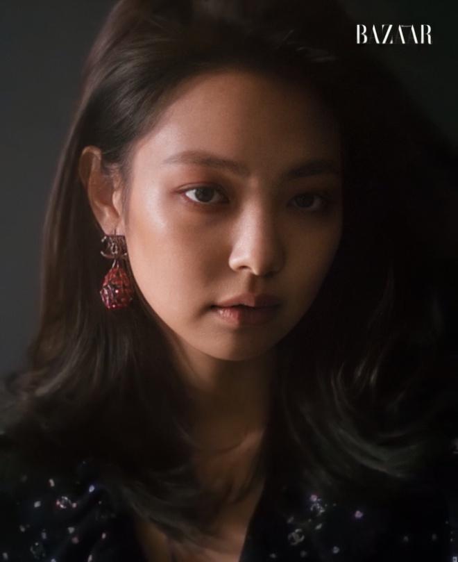 Jennie X Chanel trong loạt ảnh chụp cho tạp chí Harper's Bazaar Korea.