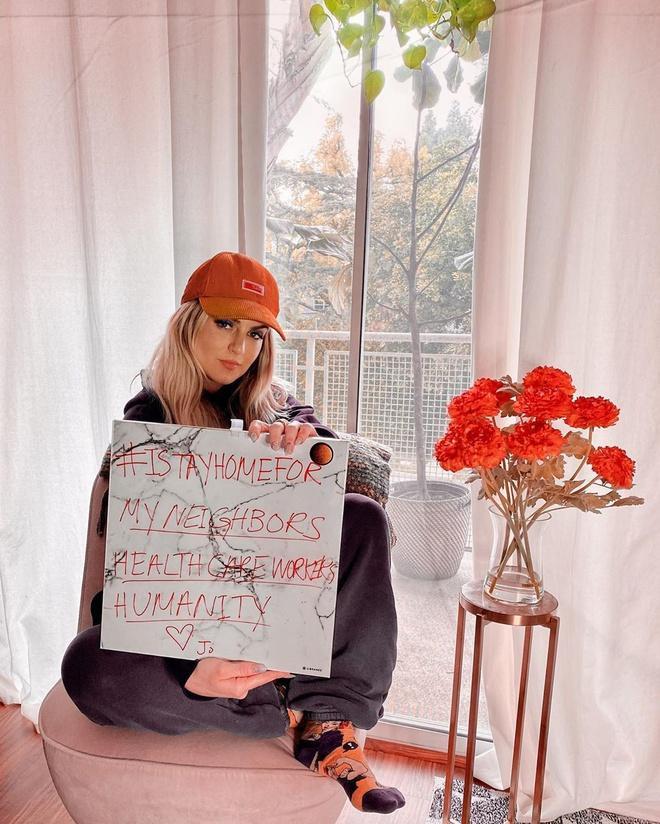 """Jojo tham gia phong trào #istayhomefor: """"Cảm ơn Mariah Carey đã chia với tôi về phong trào này""""."""