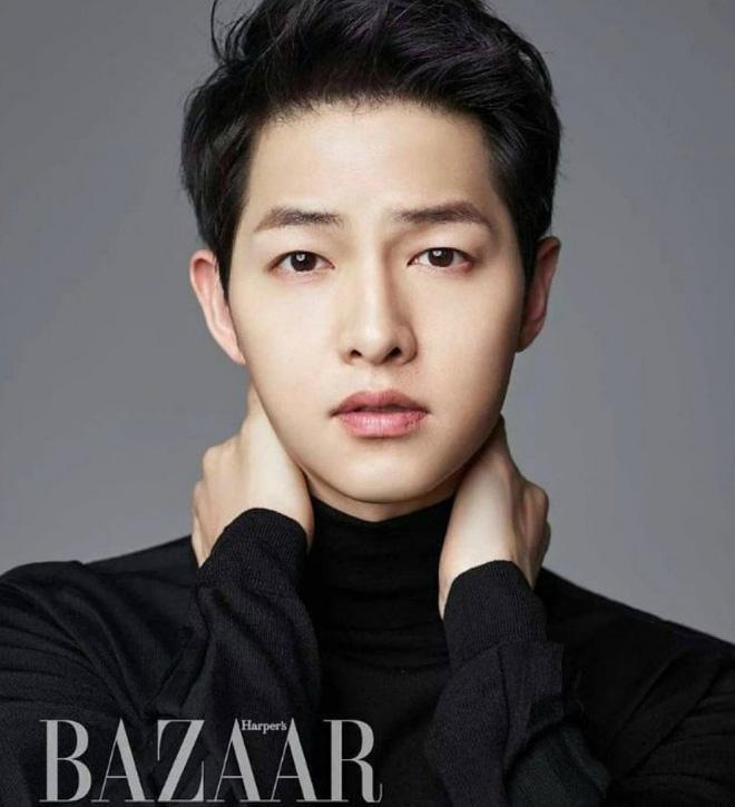 Song Joong Ki hoá nhạc sĩ thiên tài  Song Ji Hyo sánh bước với bốn mỹ nam cùng lúc, đào hoa thế này, có ai thấy tiếc? ảnh 0