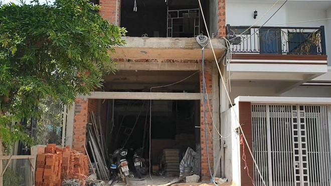 Sập giàn giáo công trình nhà ở khiến 4 người bị thương. Ảnh: Thanh Niên