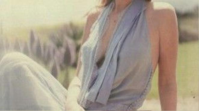 Tạp chí Marie Claire lại khai thác khía cạnh khác trong vẻ đẹp của cô.