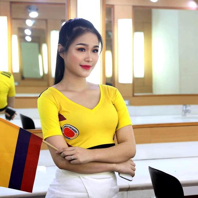 Bạn gái Hoàng Đức không phải là cái tên xa lạ gì với các fan bóng đá Việt Nam.Hot girl này từng được biết đến khi đại diện cho tuyển Colombia trong một chương trình về World Cup. (Ảnh FBNV)