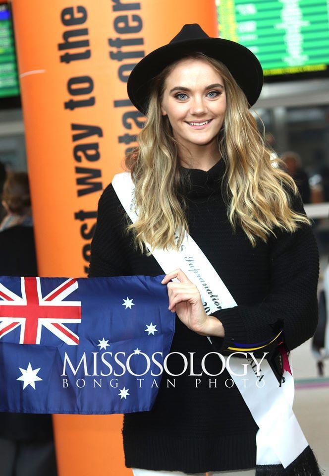 Hoa hậu Úc diện áo len để giữ ấm.