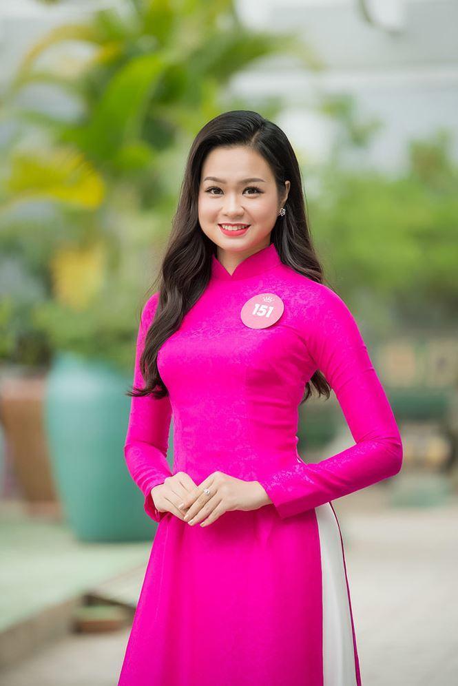 Nhật Minh sở hữu nét đẹp tròn trịa, phúc hậu.