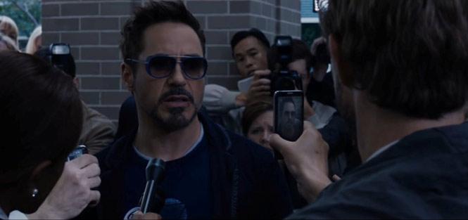 Iron Man 3 (2013) - Alcatel One Touch Idol: Trong phần phimIron Man 3, một chiếc điện thoại khá lạ đã xuất hiện trong phân cảnh Tony Stark nhà báo ghi hình và phỏng vấn. Được biết, đây là chiếc điện thoại Alcatel One Touch Idol của Alcatel. Hãng này đã giành được hợp đồng tài trợ cho Iron Man 3.