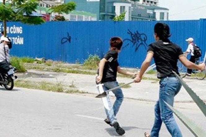 Nhóm người mang hung khí truy sát nam thanh niên do mâu thuẫn. (Ảnh minh họa).