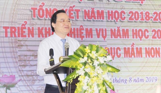 Bộ trưởng Phùng Xuân Nhạ phát biểu chỉ đạo tại hội nghị. Ảnh: báo Tiền Phong.