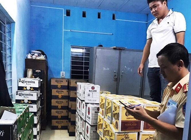 Hơn 4.000 chai bia, rượu không rõ nguồn gốc bị bắt giữẢnh: Tiền Phong