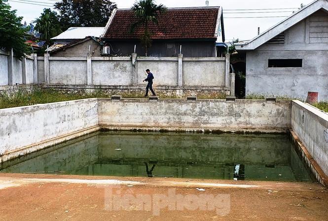 Bể bơi phường Thủy Dương lúc mới được đầu tư xây dựng. Ảnh: Tiền Phong