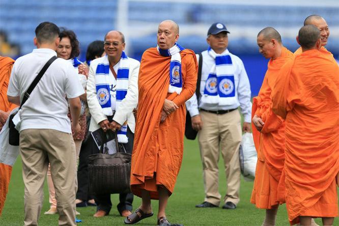 Pháp sư Prommangkalachan nổi tiếng khắp thế giới khi giúp cho CLB Leicester City vô địch Ngoại hạng Anh