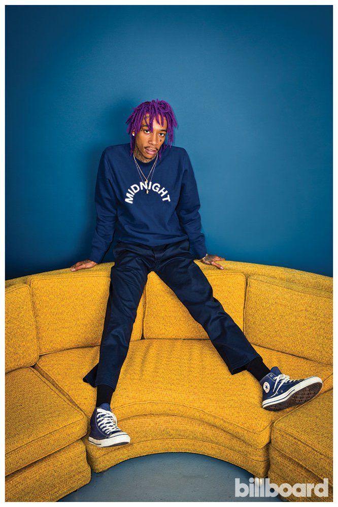 Nam rapper Wiz Khalifa hầu như bị bắt giữ vì cùng một lí do là tàng trữ cần sa.