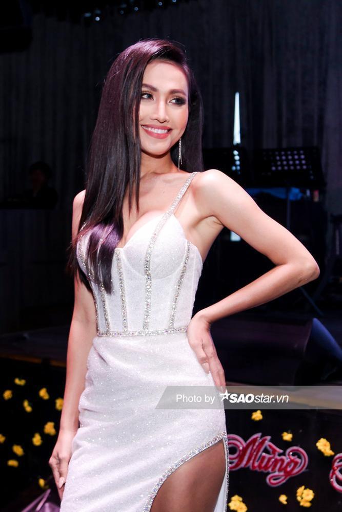 Như vậy Hoài Sa sẽ chính thức kế nhiệmĐỗ Nhật Hà – Top 6 Miss International Queen 2019 ở mùa giải 2020.