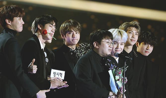 BTS và Bang Si Hyuk được mời làm thành viên hội đồng giám khảo Grammy.
