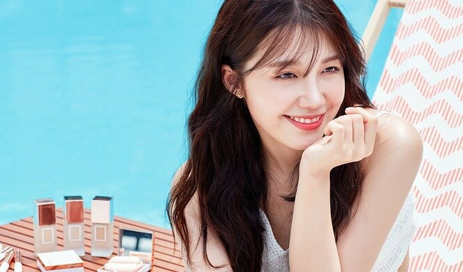 Cô nàng Eunji cũng chỉ mất 2 tháng để được debut cùng hội chị em APink.