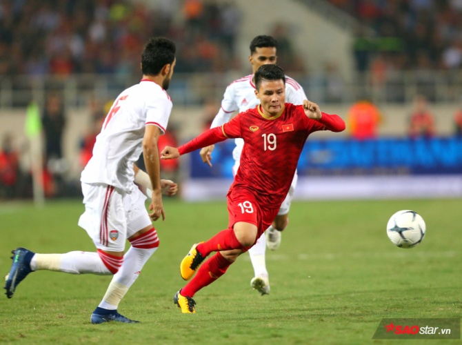 Kết thúc 90 phút trên sân Mỹ Đình, ĐT Việt Nam đã giành chiến thắng với tỷ số sát nút nhờ bàn thắng duy nhất của Tiến Linh trong hiệp 1. Đây là trận thắng thứ 3 liên tiếp của thầy trò HLV Park Hang Seo ở vòng loại World Cup 2022. Với kết quả này, ĐT Việt Nam là đội bóng duy nhất ở bảng G vẫn bất bại tình tới thời điểm này.