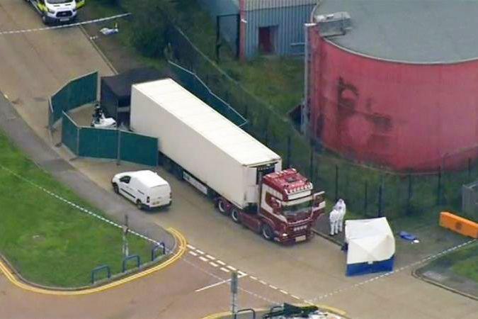 39 thi thể được phát hiện trong chiếc container tại Essex. (Ảnh: The Sun).