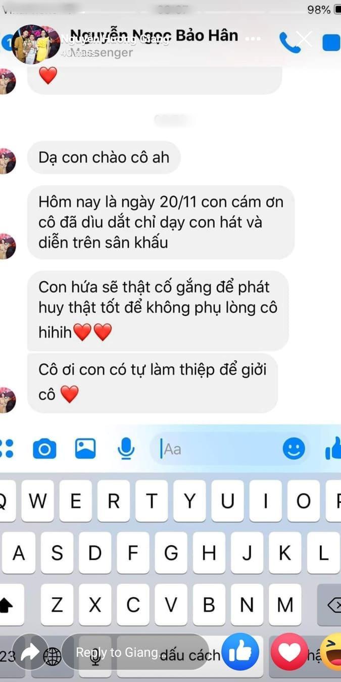 Bảo Hân tự tay làm thiệp cảm ơn cô giáo Hương Giang.