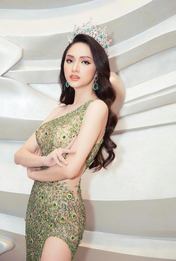 Hương Giang được 2 nàng hậu Hàn QuốcKim Soo Min vàLee Hanna ngưỡng mộ cả về nhan sắc lẫn nghị lực.