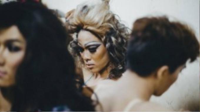 Lâm cho biết ờ Việt Nam có hai trường phái hóa trang drag queen cơ bản là trường phái theo phong cách Thái Lan và trường phái theo phong cách châu Âu.