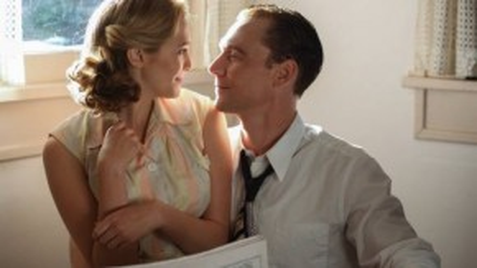 """Elizabeth Olsen và Tom Hiddleston là """"cặp đôi hoàn hảo"""" trong bộ phim I Saw The Light."""