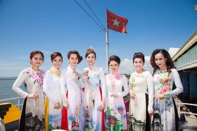 Nguyễn Thùy Linh đăng quang Hoa khôi Doanh nhân 2015 ảnh 7