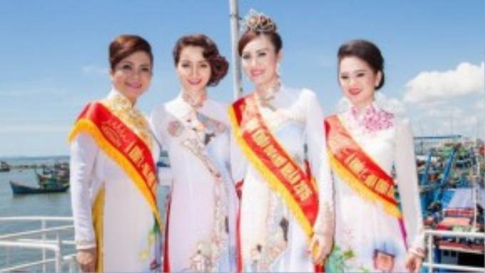 Sau khi đăng quang, 3 người đẹp sẽ tham gia cùng đồng hành trong chương trình thiện nguyện và chụp hình kêu gọi bảo vệ biển đảo quê hương.