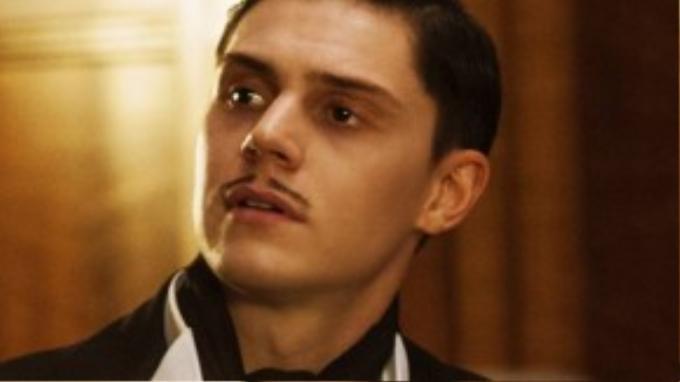 March, ông chủ đầu tiên của khách sạn Cortez, mở một đêm tiệc hàng năm dành riêng cho những kẻ sát nhân hàng loạt.
