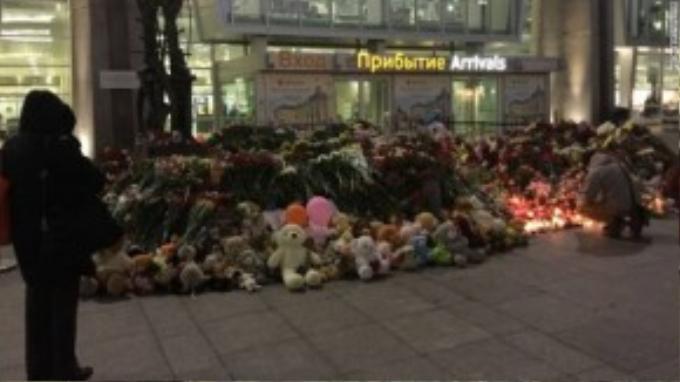 Nga tưởng niệm các nạn nhân xấu số trong vụ tai nạn cướp đi sinh mạng toàn bộ 224 người trên chiếc máy bay Metrojet.