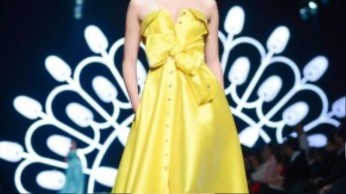 """Fashionista Kelbin Lei thốt lên một câu ngắn gọn: """"Bộ sưu tập của Mabille đẹp một cách tinh tế"""""""