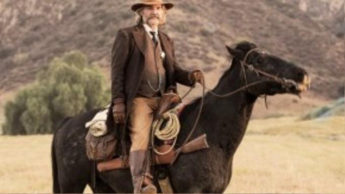 Kurt Russel trở lại màn ảnh rộng với vai diễn ấn tượng.