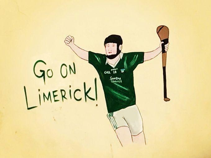Cư dân ở thành phố Limerick rất yêu mến các môn thể thao. Bức tường này là một trong những ví dụ điển hình cho tình yêu ấy.